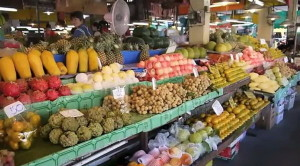 Tanin Market Fruit section near Viangbua Mansion